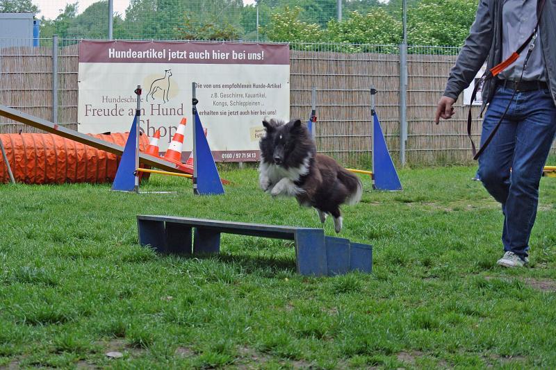 Lola long jump