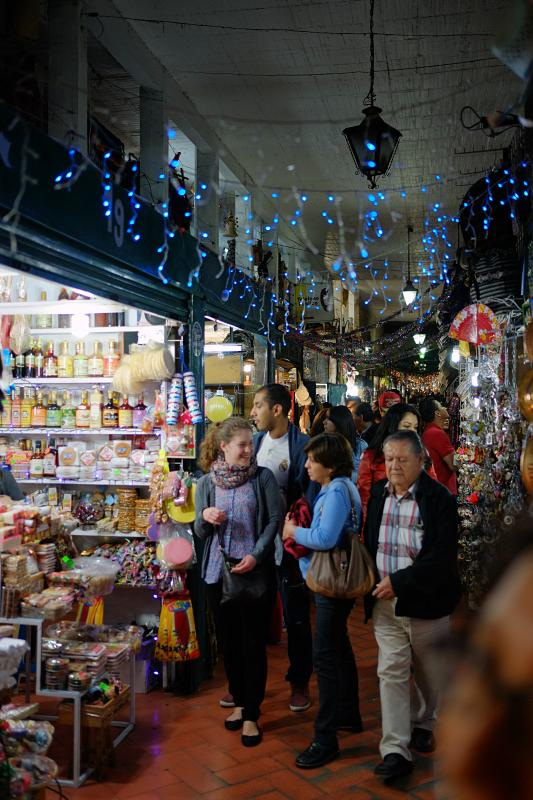 Mercado de dulces y artesanías 1