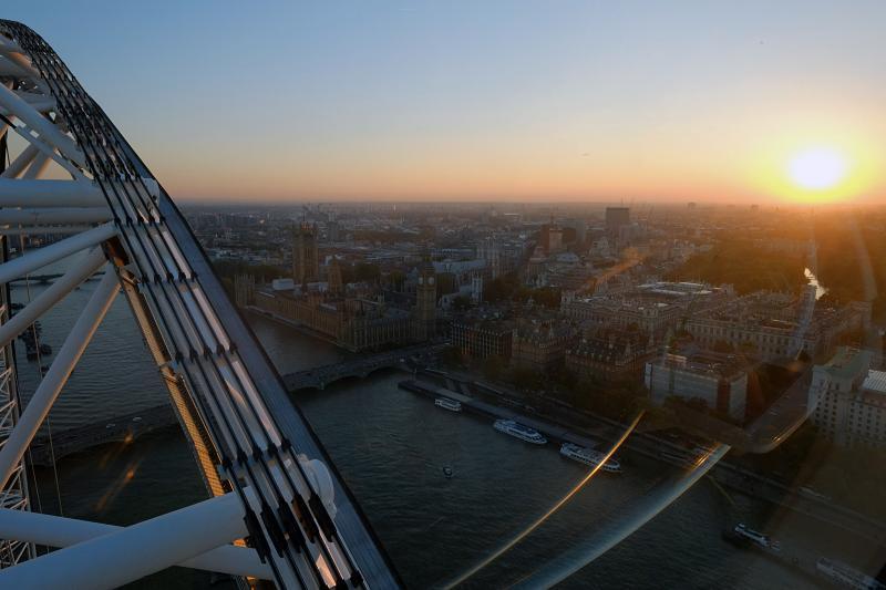 London at dusk 1
